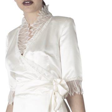 En blanc et soie-même