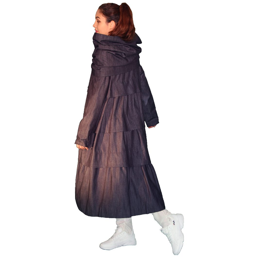 Manteau en denim doublé soie, à volants