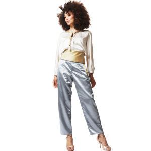 pyjama en soie bleu, blanc et doré